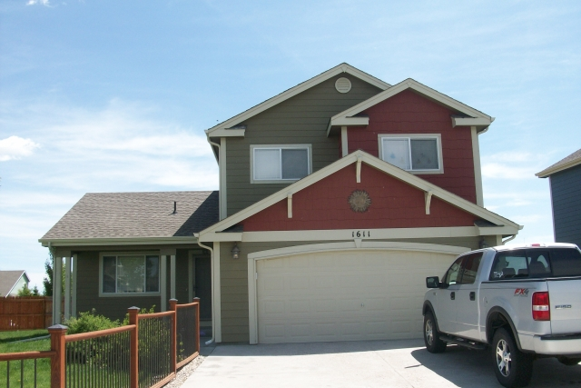 Price: $1550. Deposit: $1550. Beds: 3. Baths: 3. Pets: Yes